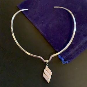 #1375 NWOT  silver and pink choker necklace